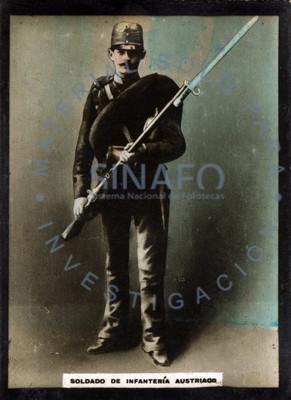 """""""Soldado de infantería austriaco"""" porta arma de fuego, retrato"""