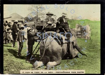 """Mujeres sobre un elefante durante """"la caza de tigre en la India"""""""