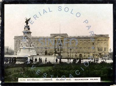 "Vista frontal del ""Palacio Real ""Buckingham Palace"""