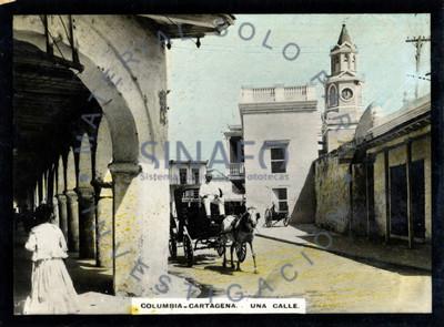 """Hombre conduce carreta por una """"calle [en] Cartagena"""""""