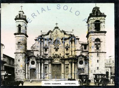 """Vista general de la """"catedral"""" de La """"Habana"""""""