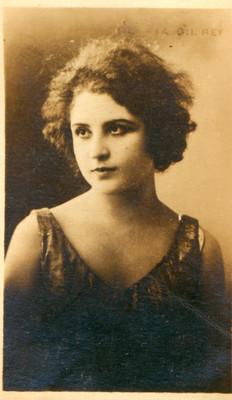 Gloria Gil Rey, retrato