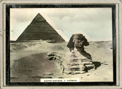 Piramide y efigie de Egipto