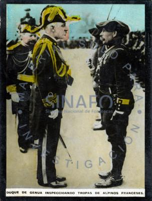 Duque de Genva inspeccionando tropas de alpinos Franceses