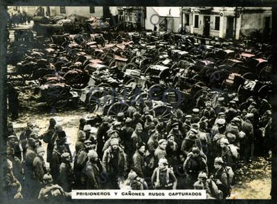 Prisioneros y cañones rusos capturados