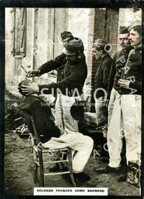 Soldado francés como barbero