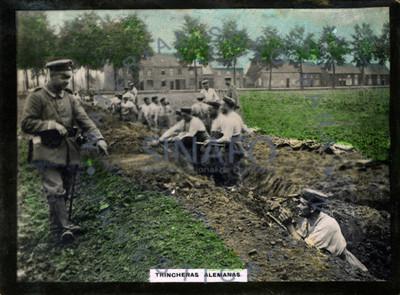 """""""Trincheras alemanas"""" militar preparándolas"""