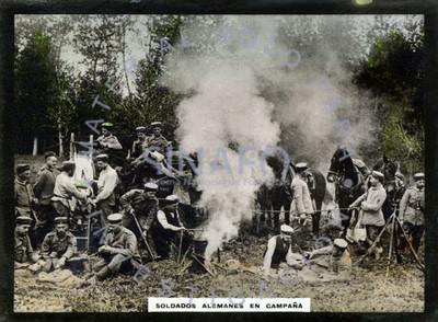 Soldados alemanes en campaña