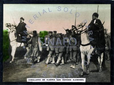Caballería de Algería con heridos alemanes