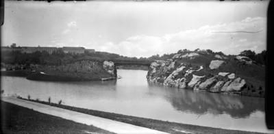 Puente que une los dos lagos de Chapultepec