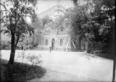 Uniformados en el Pabellón para el cuerpo de guardia de Chapultepec