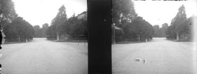 Calzada para carruajes a la entrada de los jardines del restaurante