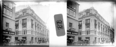 Vida cotidiana en una calle de la Ciudad de México, estereoscópica