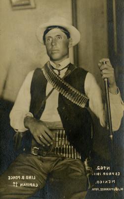 """Lino B. Ponce, Capitán 1°"", retrato, tarjeta postal"