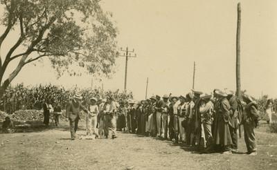 Adiestramiento de tropas revolucionarias, tarjeta postal