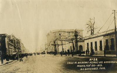 Calle de Balderas después del bombardeo