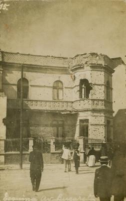 """Esquina Av. Bucareli"", durante la Decena trágica"