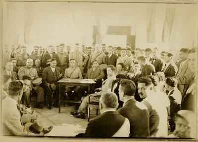 Saturnino Cedillo preside una reunión con civiles y militares