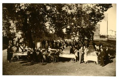 Festejos de una boda en el campo