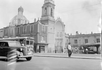Vida cotidiana en una calle de la Ciudad de México