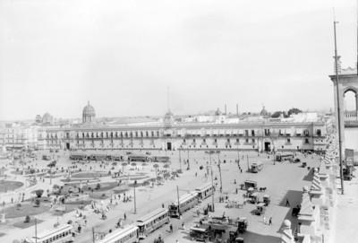 Vida cotidiana en el Zócalo de la Ciudad de México
