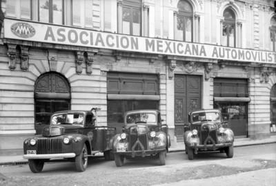 Grúas de la Asociación Mexicana Automovilística