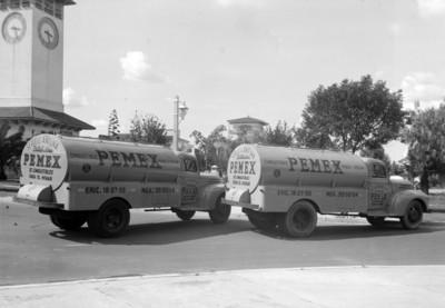 Pipas de servicio Antuna distribuidores de PEMEX