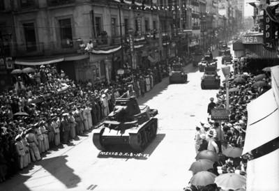 Desfile militar por el día de la Independencia