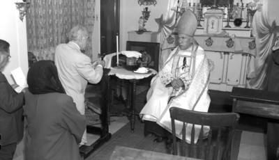 Obispo en celebración litúrgica