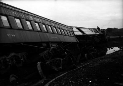 Vagones volcados durante un accidente ferroviario