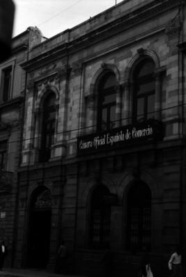 """Edificio de la """"Cámara Oficial Española de Comercio"""", fachada"""