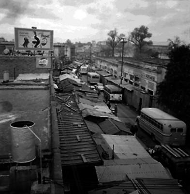 Vida cotidiana en el mercado de Tacuba