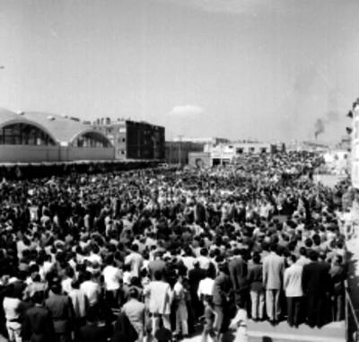Adolfo Ruiz Cortines durante la inauguración de mercados
