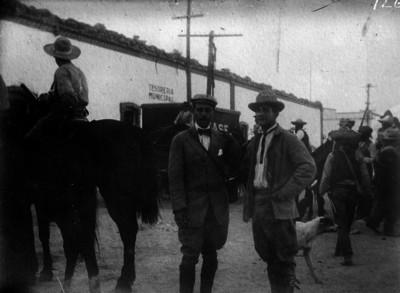 Ignacio Herrerías y Herald Brandan, corresponsales de guerra durante la toma de Cd. Juárez, reprografía bibliográfica