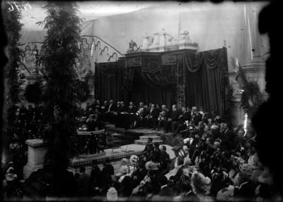 Ceremonia de colocación de la primera piedra para el monumento a Isabel La Católica