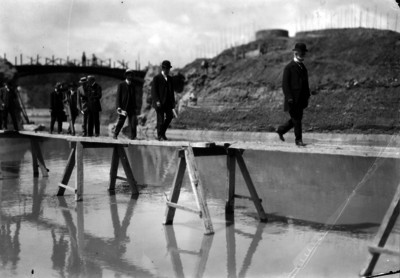 José Ives Limantour supervisa las obras del Lago de Chapultepec