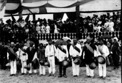 Condecoración a los sobrevivientes de la batalla de Querétaro
