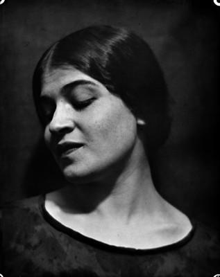 Tina Modotti, retrato