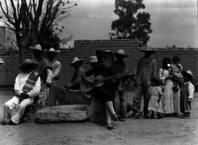 Día de la inauguración de la Escuela Libre de Agricultura No. 2 Emiliano Zapata, en Ocopulco