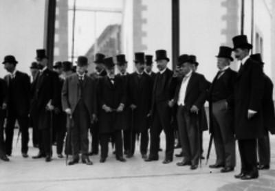 Ramón Corral y funcionarios, en la inauguración de la ampliación de la Penitenciaría del Distrito Federal