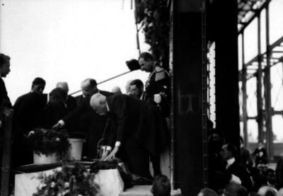 Porfirio Díaz coloca la primera piedra del Palacio Legislativo
