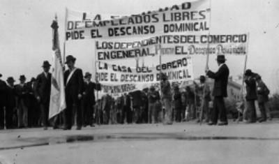 Manifestación de la Sociedad de Empleados Libres piden el descanso dominical