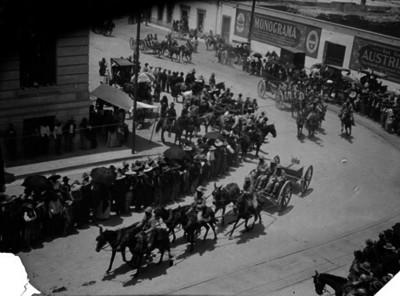 Ejército Federal entrando a la Cd. de Chihuahua