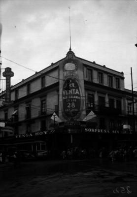 """""""Joyería La Princesa"""", esquina de Tacuba y Rep. del Brasil"""