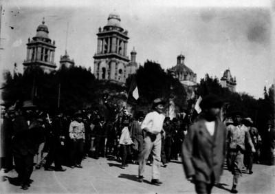 Francisco I. Madero llega a Palacio Nacional