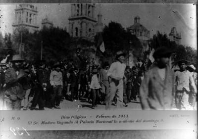 Francisco I. Madero llega a Palacio Nacional, reprografía
