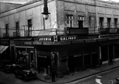 """""""Joyería Galindo"""", entre Tacuba y Allende"""