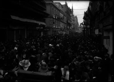 Manifestación por calles de la ciudad de México al triunfo de los felicistas