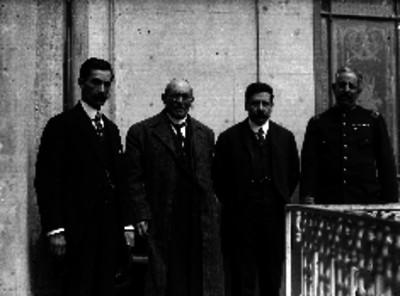 Victoriano Huerta, Manuel Mondragón, Félix Díaz y Aureliano Blanquet, retrato de grupo