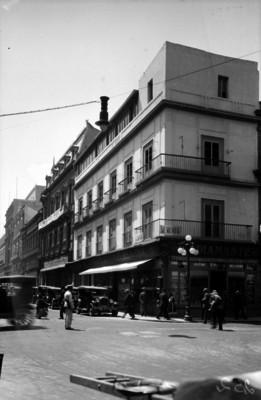 """""""Joyería El Diamante"""", edificios y vida cotidiana"""